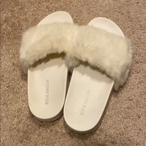 White fur steve madden slides